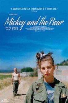 Микки и медведь